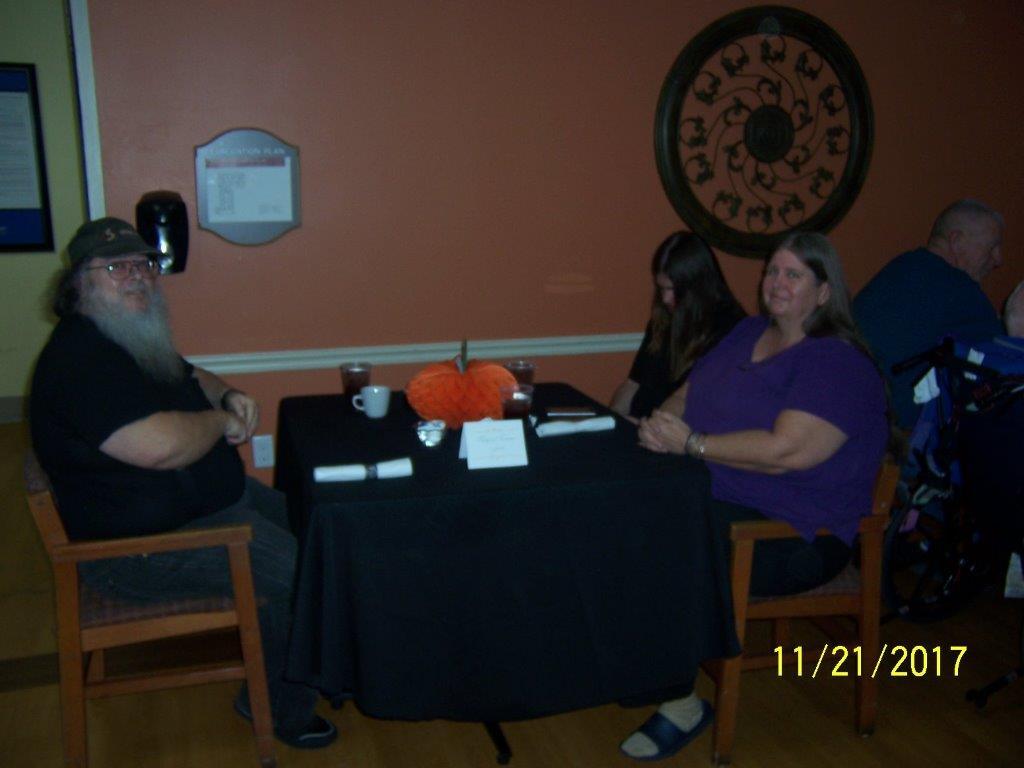 Family-Thanksgiving-Dinner-10